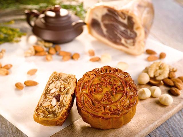 Bánh trung thu chay Hạt Dẻ Hạt Dưa Kinh Đô