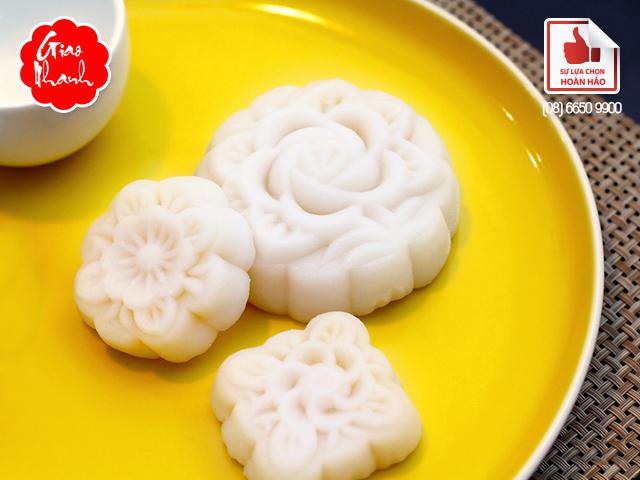 Bánh trung thu dẻo đậu xanh Kinh Đô