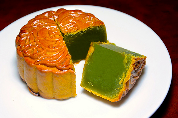 Bánh trung thu trà xanh hạt Hawaii 0 trứng Kinh Đô