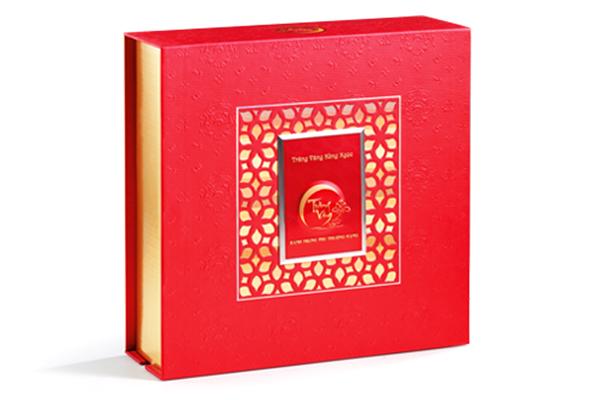 Bánh trung thu trăng vàng hồng ngọc đỏ Kinh Đô
