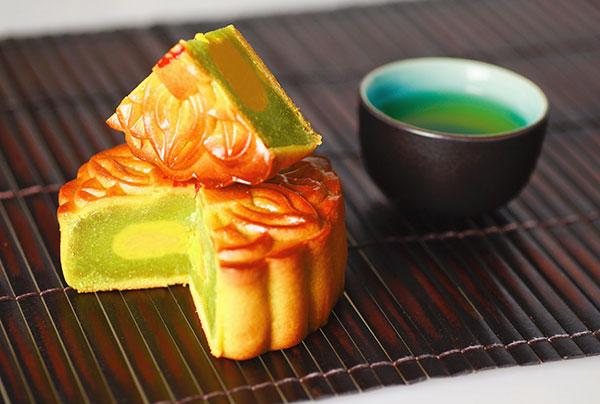Hình ảnh bánh Trung Thu món quà ý nghĩa ngày Tết Đoàn Viên